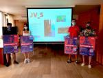 El tècnic de Joventut del Consell Comarcal del Segrià, David Lesan i representants de diverses associacions juvenils han fet el llançament de la nova pàgina web i la campanya de difusió